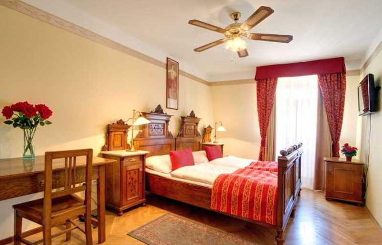 Mucha - Room - 15