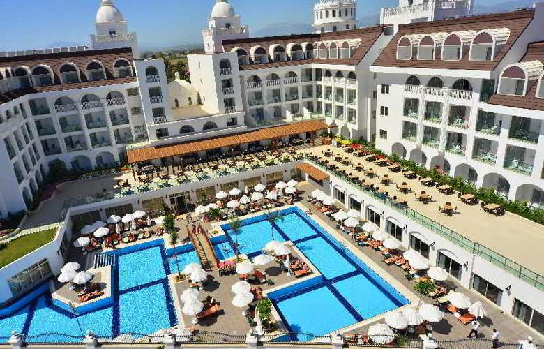Side Crown Serenity - Hotel - 9