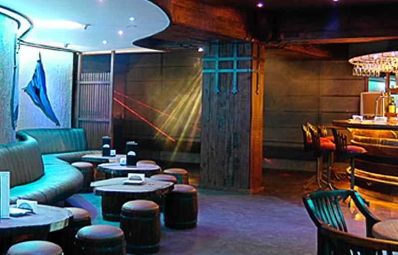 Aurora Towers - Bar - 4