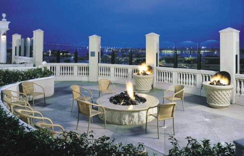 Manchester Grand Hyatt San Diego - Terrace - 5