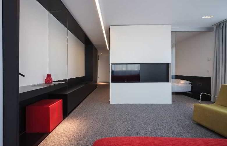 Privo - Room - 12