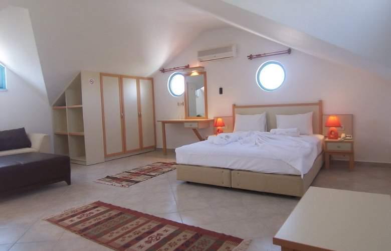 Rebin Beach Hotel - Room - 4
