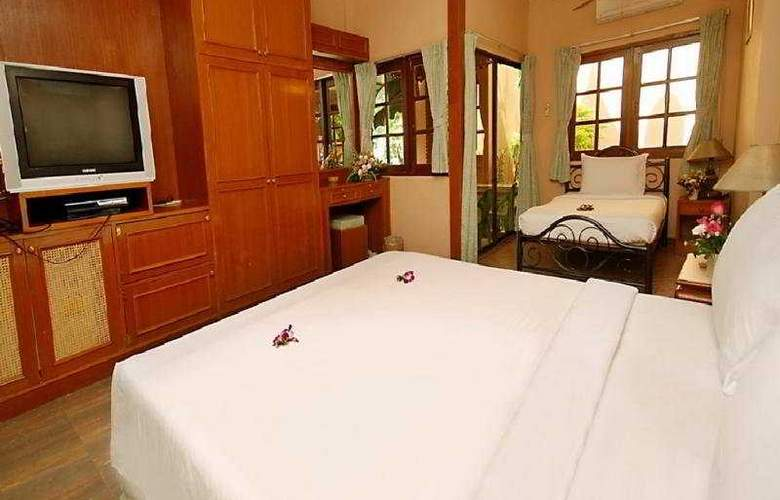Andaman Hill Hotel - Room - 2