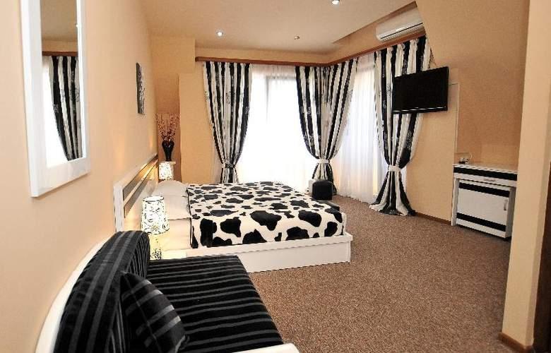 Diplomat Hotel - Room - 36