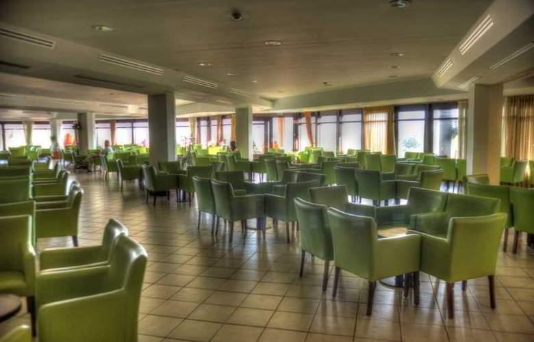 Auramar Beach Resort - Bar - 28
