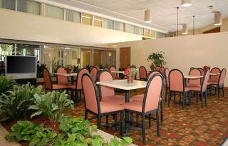 Clarion Hotel Airport - General - 4