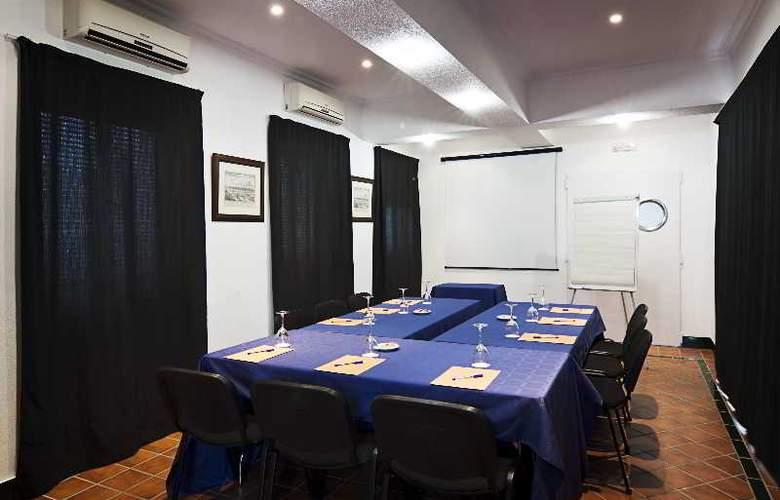 Las Casas de los Mercaderes - Conference - 19