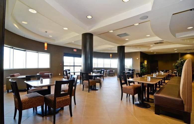 Best Western Freeport Inn & Suites - Restaurant - 72