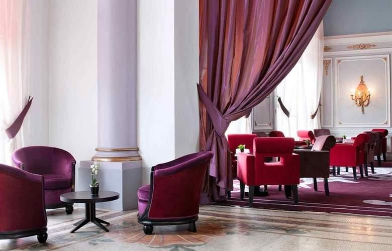 Le Grand Hôtel Cabourg - Bar - 64