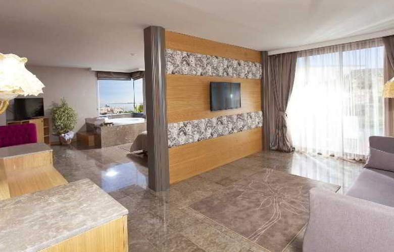 Thor Luxury Hotel & Villas - Room - 12