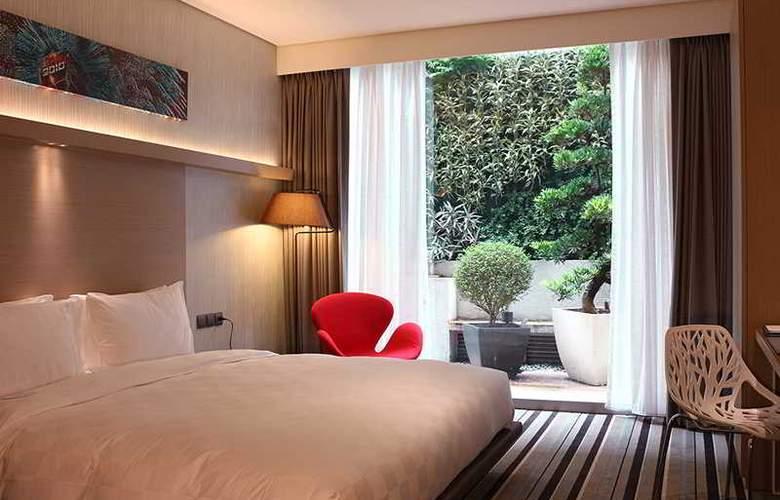 Sparkle Hotel - Room - 4