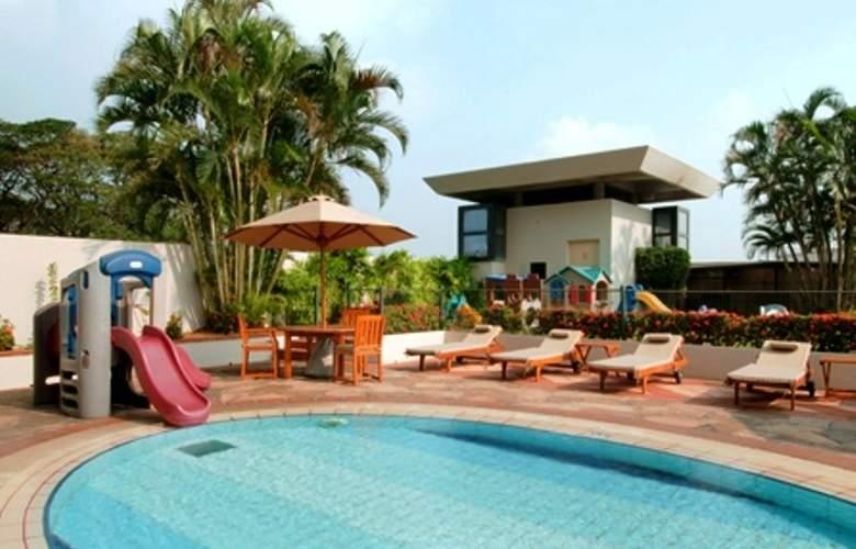 Hilton Colombo Residence - Pool - 3