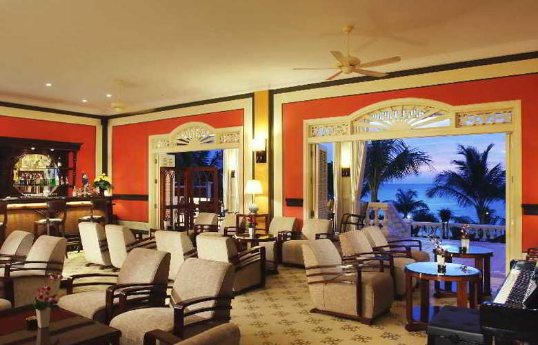 La Veranda Resort - Bar - 34