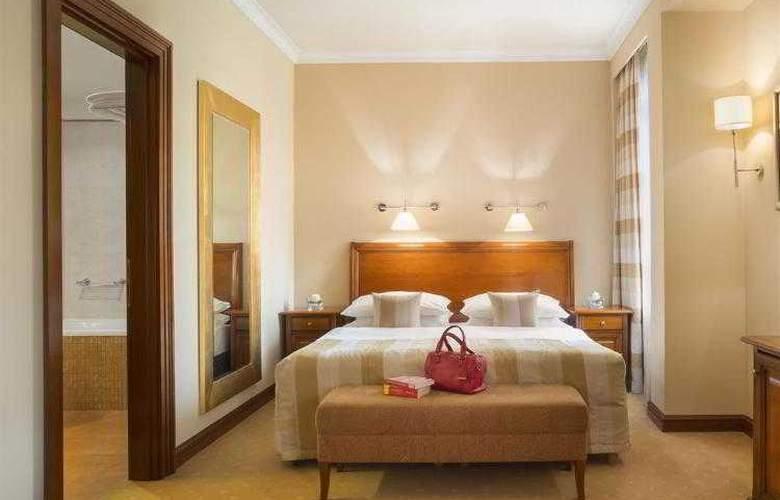 Best Western Premier Astoria - Hotel - 80