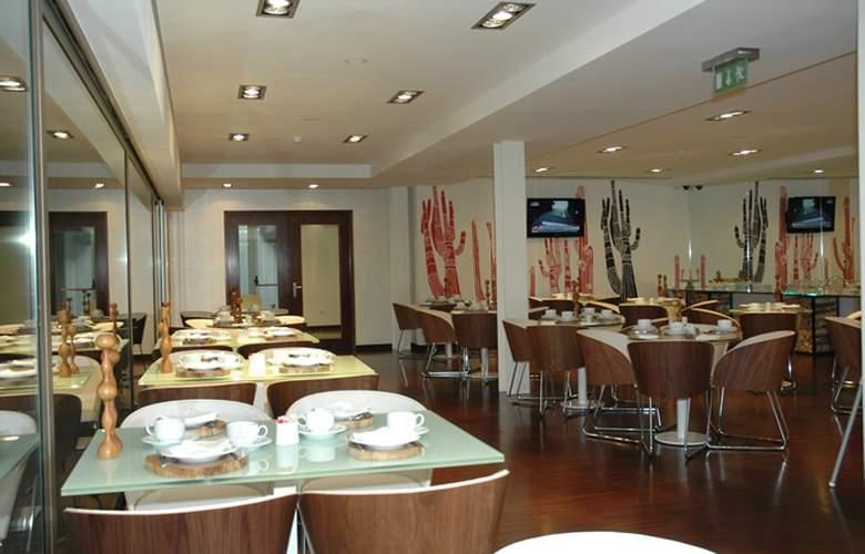 Porto Trindade Hotel - Restaurant - 31