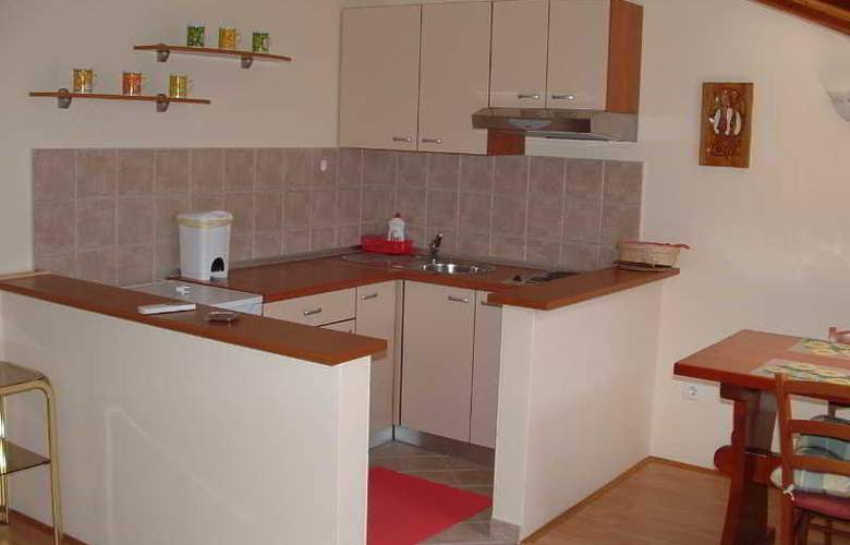 Apartmani Ivanka - Room - 8