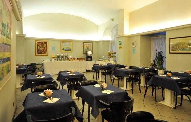 Novo Hotel Impero - Restaurant - 7