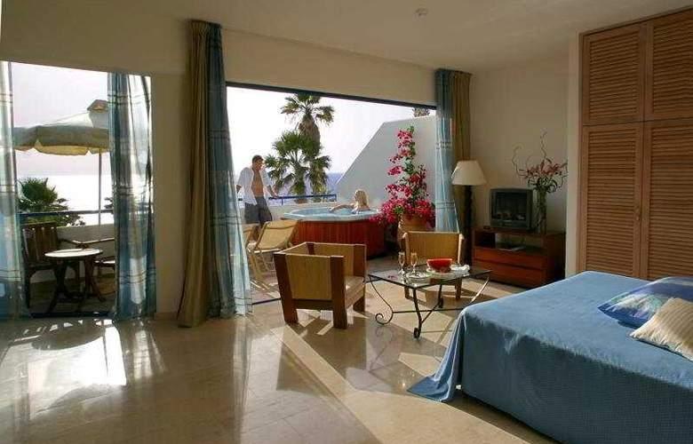 Azia Club and Spa at Azia Resort - Room - 5