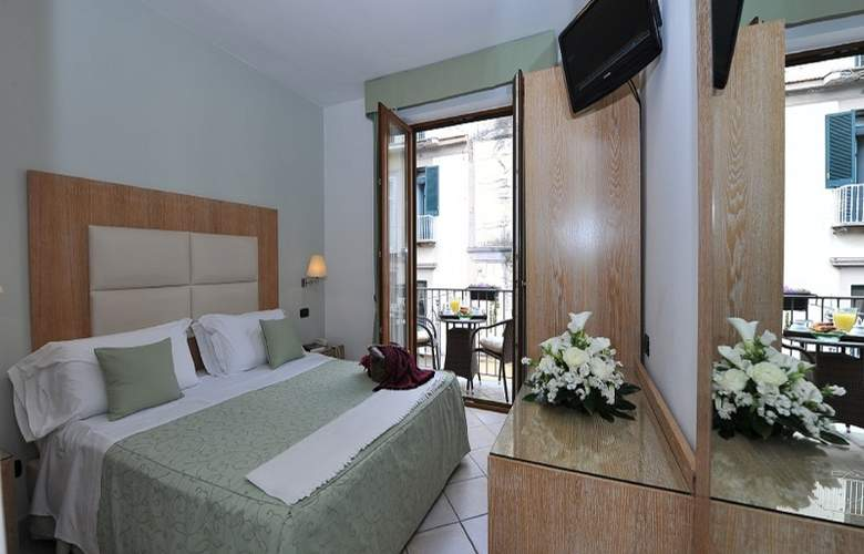 Sorrento City - Room - 3