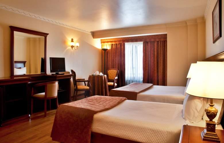 Turim Lisboa - Room - 14