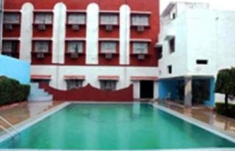 Siddhartha - Pool - 5