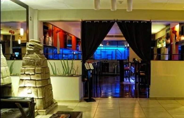 QP Hotels Lima - Bar - 5