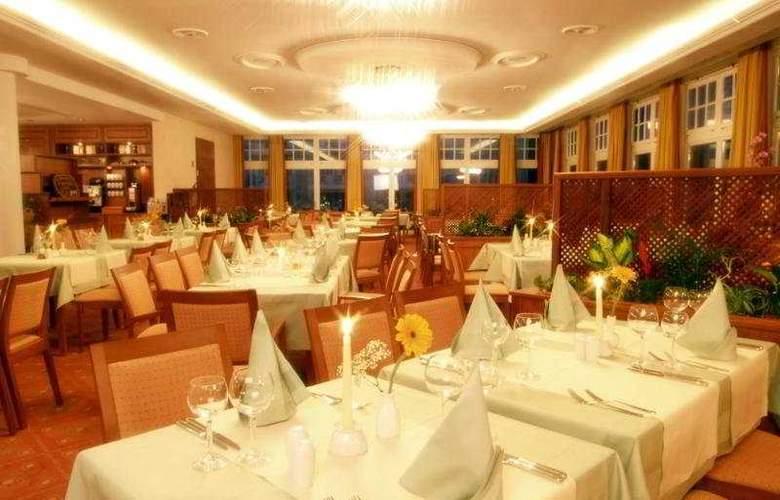 Kaiser Spa Hotel Zur Post - Restaurant - 9