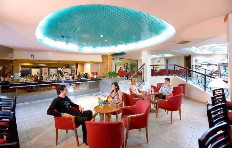 Gran Turquesa Playa Resort (Hotel **** y Apartamentos 1 Llave) - Bar - 9