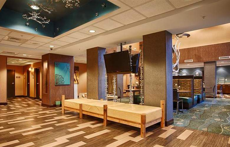 Best Western Plus Chain Of Lakes Inn & Suites - Hotel - 49