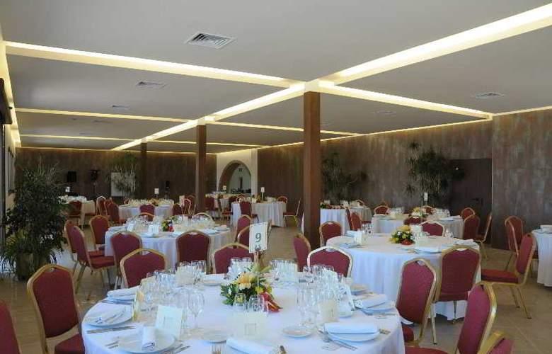 San Carlos - Restaurant - 33