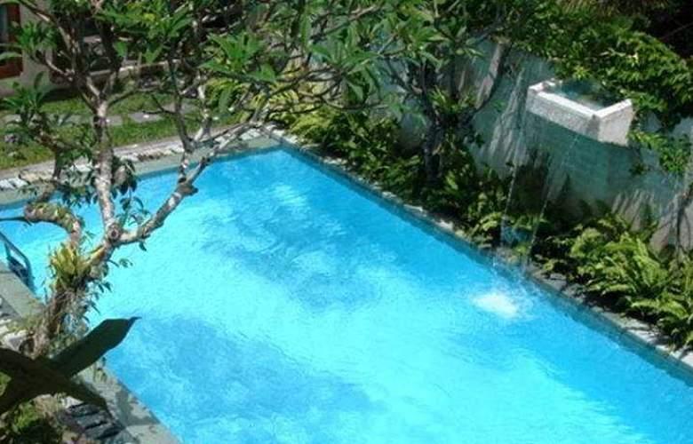 Villa Puri Artha - Pool - 2