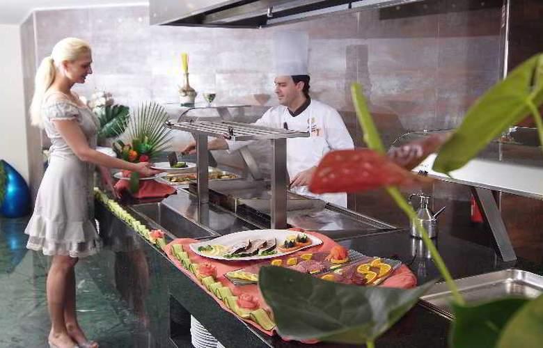 Sandos Monaco Beach Hotel and Spa - Restaurant - 31