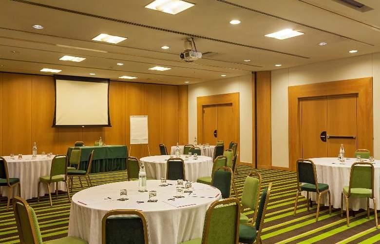HF Fenix Lisboa  - Conference - 19