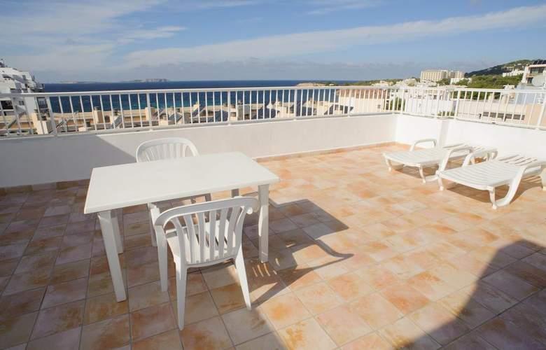 Poniente Playa - Terrace - 13