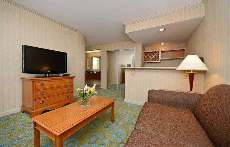 Best Western Plus Executive Suites - Hotel - 21