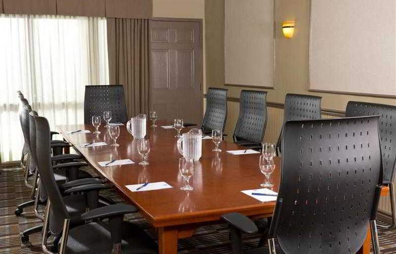 Best Western Plus Laval-Montreal - Hotel - 41