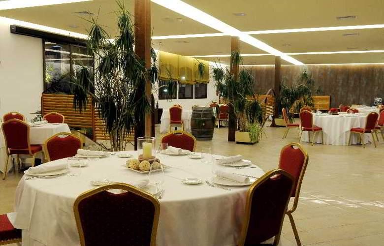 San Carlos - Restaurant - 32