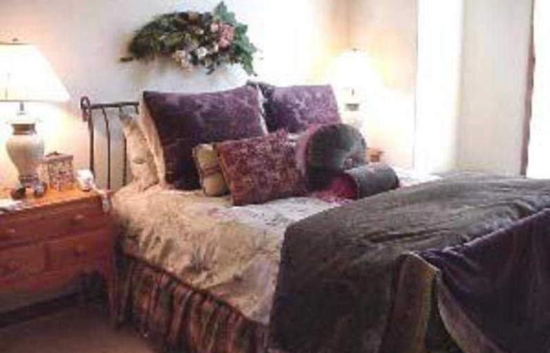 Arrowhead Village - Room - 4