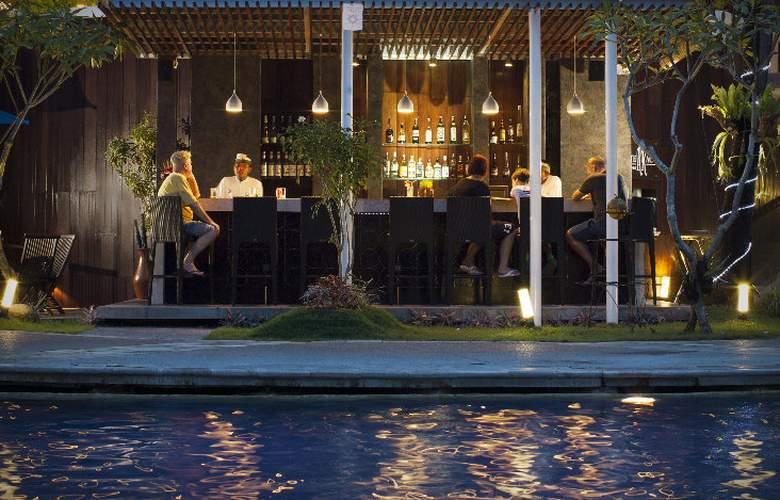 Prime Plaza Suites - Pool - 8