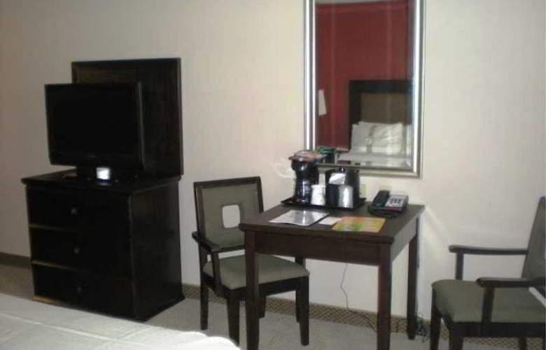 Holiday Inn & Suites Bakersfield - Room - 8