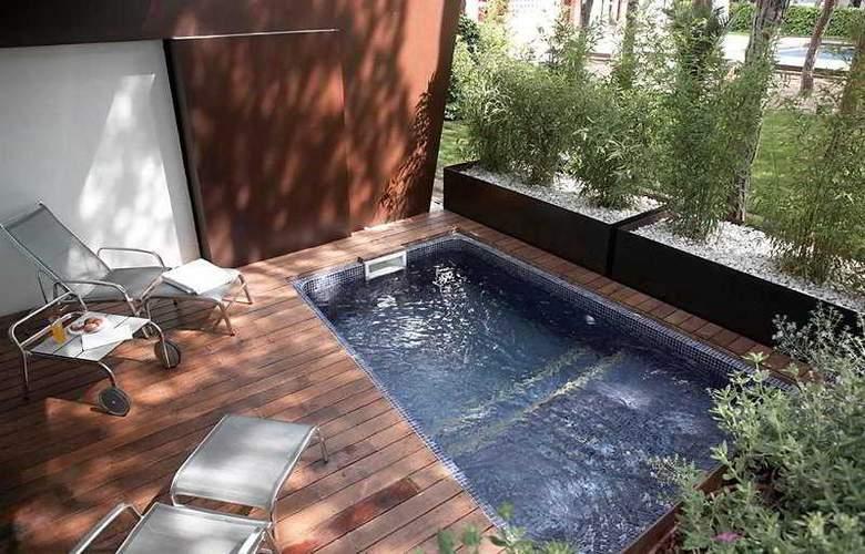 NM Suites - Pool - 3