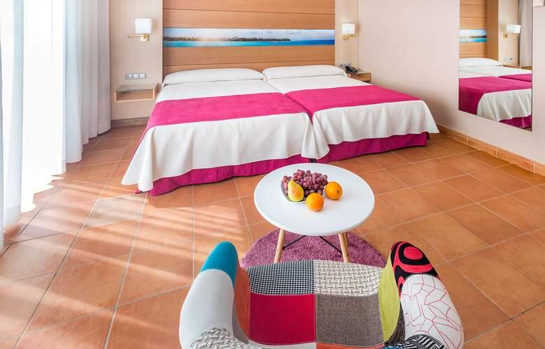Mediterraneo Bay Hotel & Resort - Room - 9