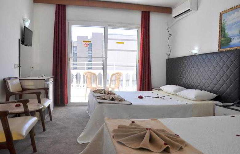 Mustis Royal Plaza - Room - 13