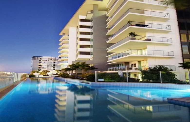 M1 Resort - Pool - 7