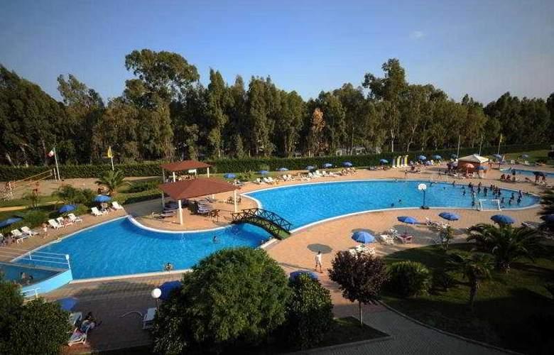 AW Club Nova Siri - Pool - 2
