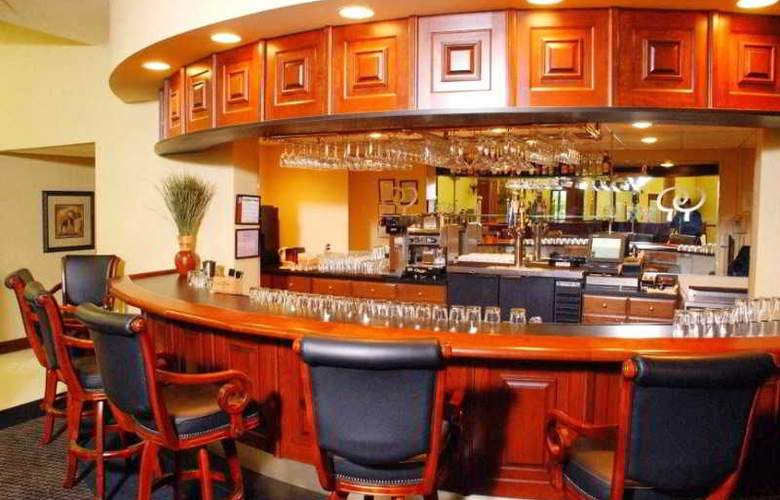 Doubletree Hotel Bloomington - Bar - 0