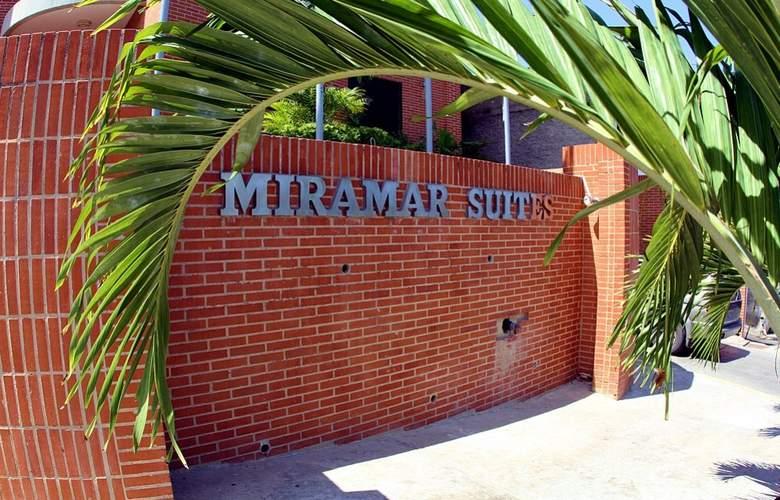 Miramar Suites - Hotel - 8