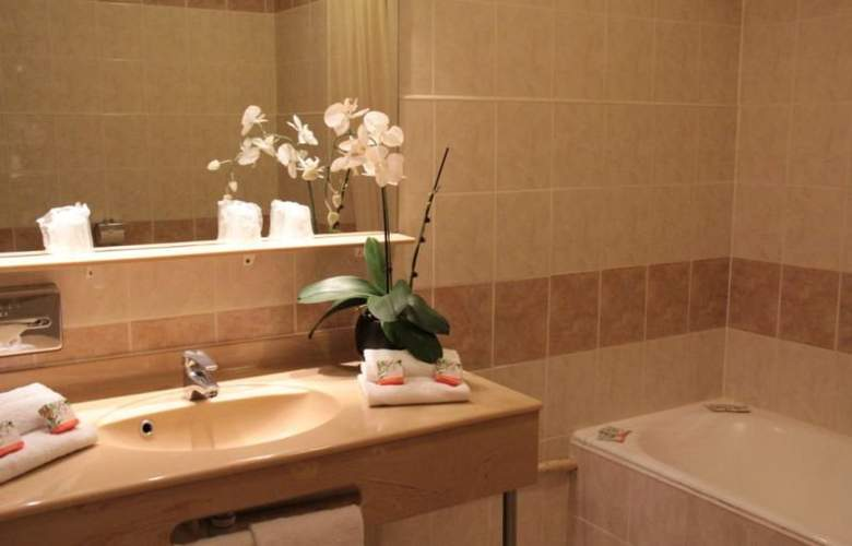 Hôtel Abrial Cannes Centre - Room - 6