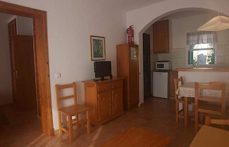 Annabels Apartamentos I y II - Room - 9