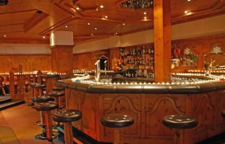 Hotel Alexander - Bar - 5